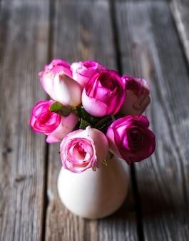 Цветы. подарок на день святого валентина. романтический подарок. валентина знакомства