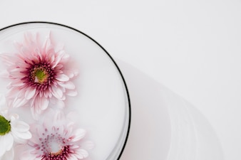 Flowers in glass bowl