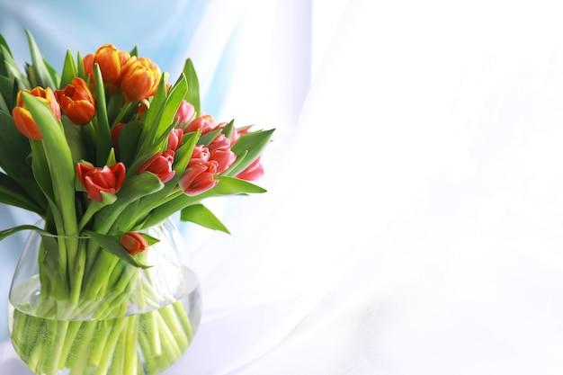 꽃, 봄 방학 및 가정 장식 개념 - 아름다운 튤립 꽃다발, 꽃 배경