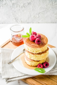 Fluffy japan pancakes with fresh summer berries