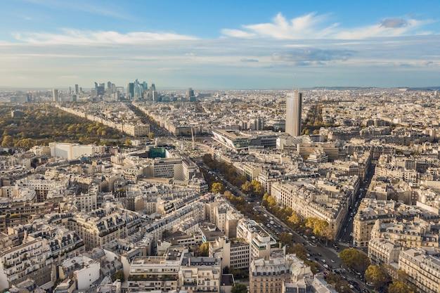 Полет над крышами парижа, франция
