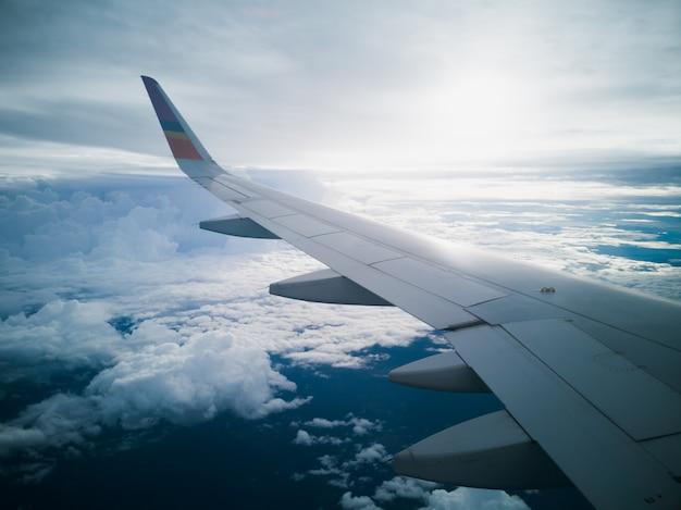 비행 및 여행, 비행기 창에서보기
