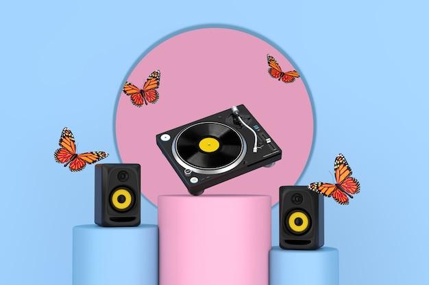 ピンクとブルーのペデスタルプロモスタンド上のオーディオスタジオアコースティックスピーカー、プロのdjターンテーブルビニールレコードプレーヤー間のフライングバタフライピンクとブルーの背景に立っています。 3dレンダリング