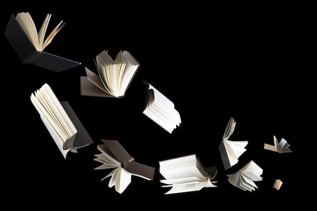 고립 된 여러 책을 비행.