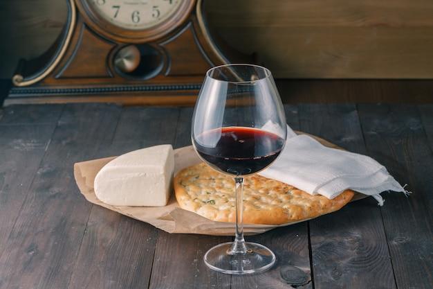 ワインとフォカッチャ
