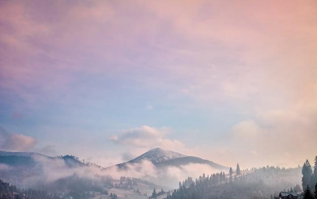 Туманный осенний пейзаж