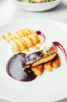Foie gras and duck meat with sweet sauce