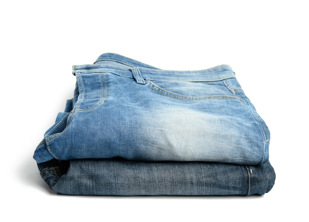 折りたたまれたブルーのメンズジーンズ、スタック