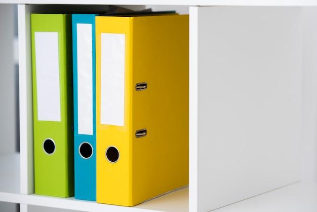 Folders in the shelf Premium Photo