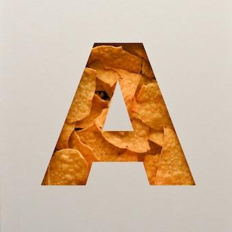 Дизайн шрифта, абстрактный шрифт с треугольными кукурузными чипсами, реалистичная типография с листьями - a