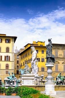 Фонтана дель неттуно - фонтан нептуна - недалеко от палаццо веккьо, флоренция, италия