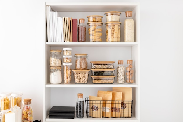 Food containers on shelves arrangement