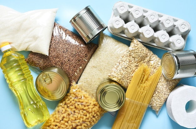 Food delivery. essential products: buckwheat, spaghetti, sunflower oil, canned food. food box.