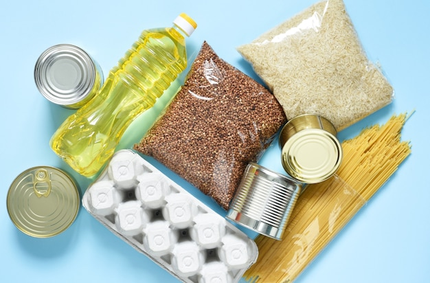 Food delivery. essential products: buckwheat, spaghetti, sunflower oil, canned food.