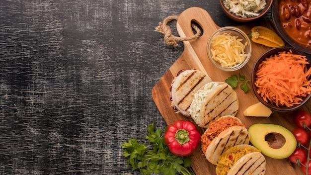 Рамка для еды с копией пространства сверху