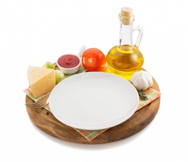 흰색 나무 쟁반에 음식 재료