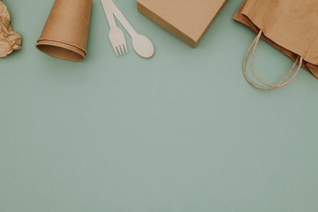 Confine di confezioni alimentari nel concetto di consegna