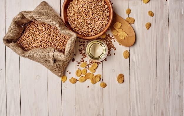 음식 준비 나무 테이블 식료품 시리얼