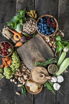 항산화제가 매우 높은 식품 안토시아닌 섬유 단백질 오메가 3 리코펜 비타민 미네랄