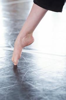 プロのダンサーの足