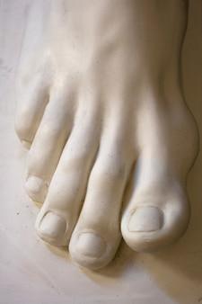Foot, statue