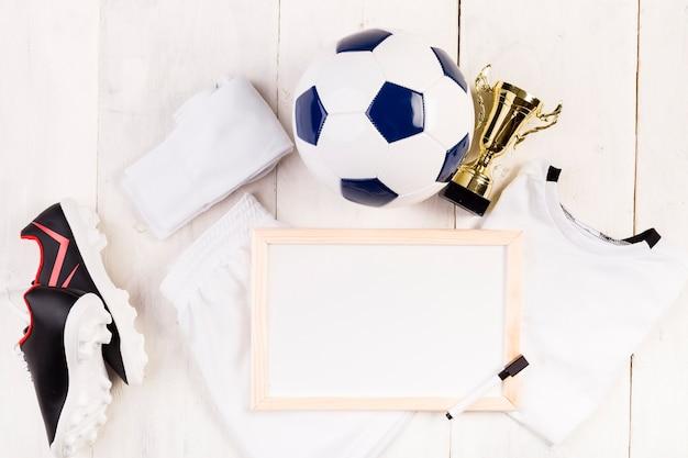 Composizione di calcio con lavagna