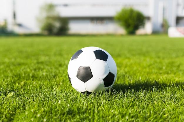 Футбол в траве