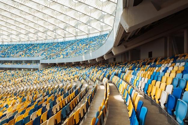 サッカースタジアムの座席