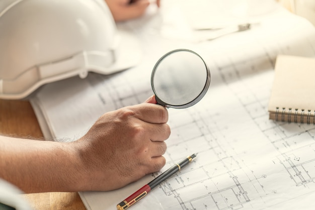 Foreman officer inspector defect about engineer&architect work home building before complete project