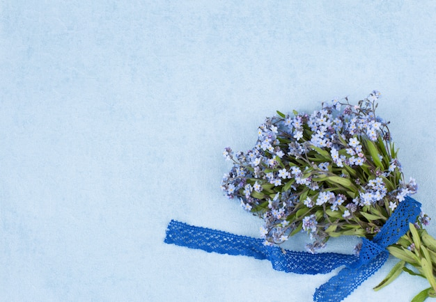 Forget me not bouquet and lace ribbon