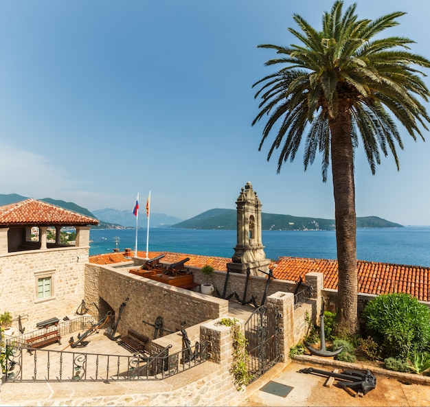 Forte mare castle summer view and bay of kotor (herceg novi, montenegro)