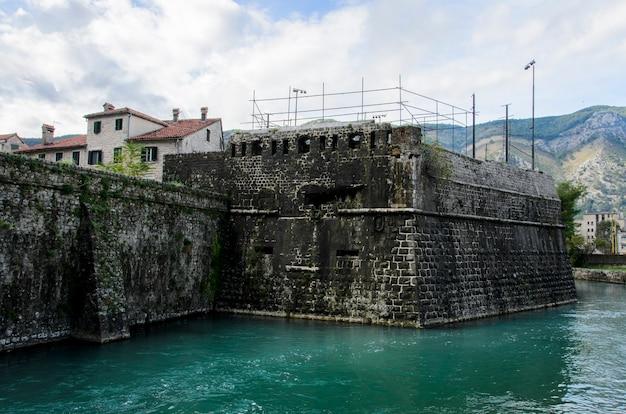 モンテネグロ、コトルの要塞