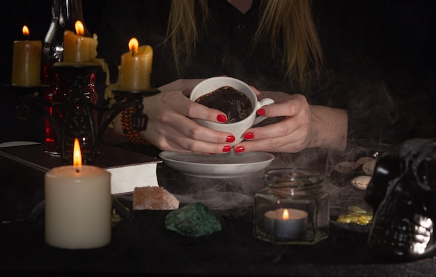 Fortune-telling on coffee grounds