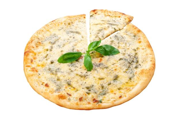 네 가지 치즈 피자. 토마토 소스, 모짜렐라 치즈, 파마산 치즈, 하드 치즈, 도르 블루 치즈, 오레가노. 흰색 배경. 외딴. 확대.