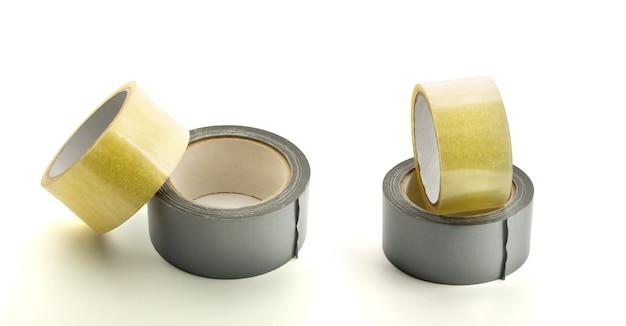 粘着テープの4つのロール