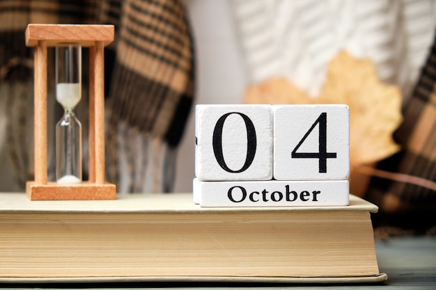 Fourth day of autumn month calendar october.