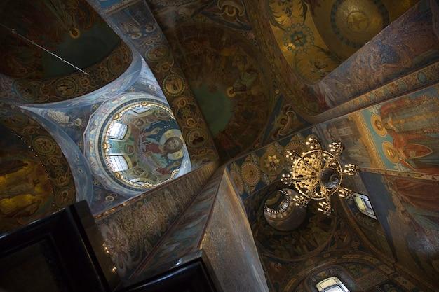 Фрагмент интерьера купола казанского собора в санкт-петербурге.