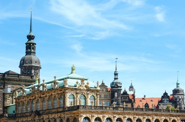 독일 드레스덴에있는 츠 빙거 궁전 (오늘날은 박물관 단지)의 파편. 1710 년에서 1728 년까지 건축하십시오. 건축가 matthaus daniel poppelmann.