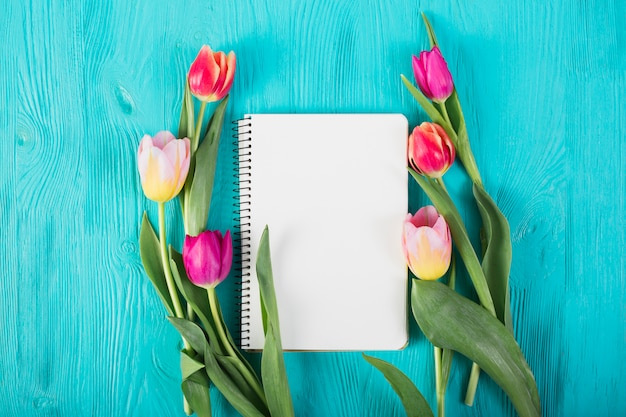 Frame notebook with tulips