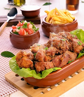 Frango a passarinho - traditional brazilian fried chicken