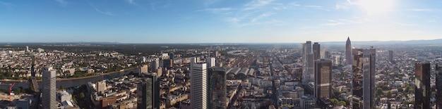 フランクフルトアムマインスカイライン、ドイツ、ヨーロッパ、国の金融センター。