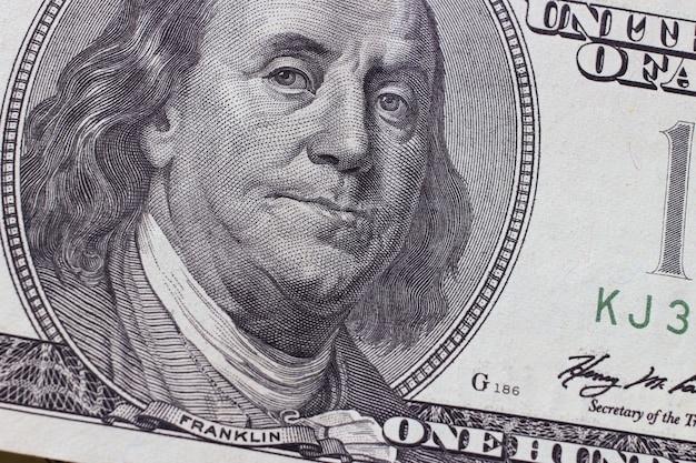 Франклин 100 долларов крупным планом