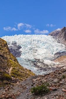 Ледниковые камни франца иосифа и ледяной остров южный остров новая зеландия