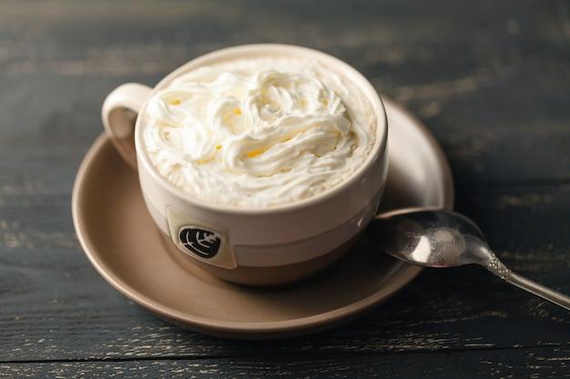 Frappuccino coffee, чашка кофе со сливками, итальянский вкусный напиток