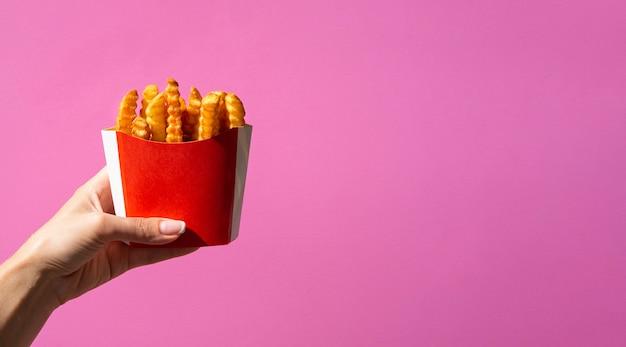 Scatola di patatine fritte con spazio di copia