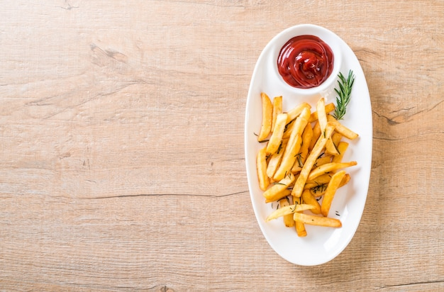 French fries with sauce