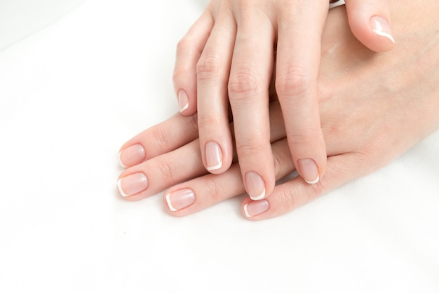French manicure process