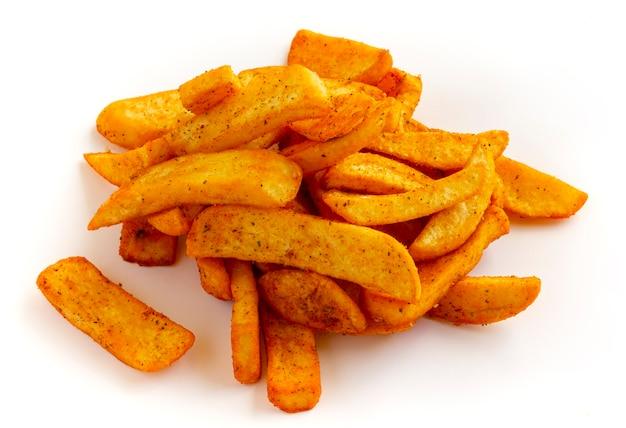 Французский картофель на белом фоне