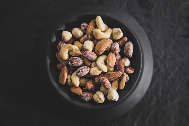 Свежие и вкусные закуски из орехов