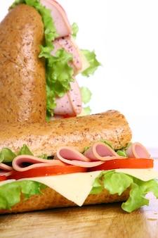 新鮮でおいしいサンドイッチ